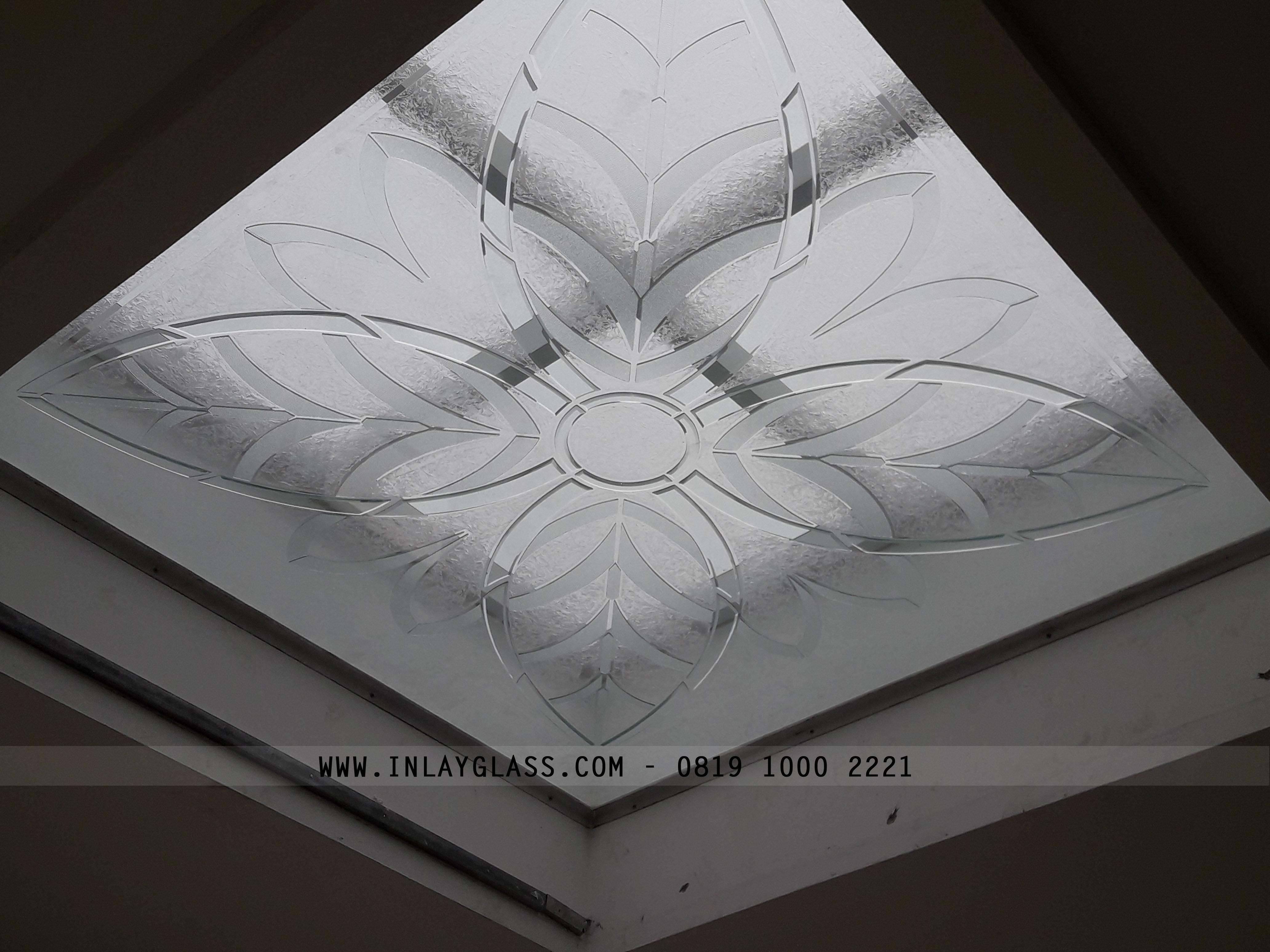 Jasa Pembuatan Kaca Inlay Untuk Atap Skylight – Pengrajin Kaca Dekorasi